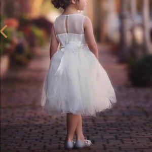 Dresses & Skirts - Flower girl dress